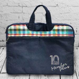 กระเป๋าใส่โน๊ตบุ๊ค ลายผ้าขาวม้า พรีเมี่ยม สกรีนโลโก้