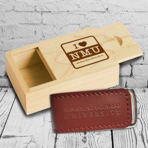 กล่องไม้ Flash Drive หนัง อุปกรณ์ไอทีพรีเมี่ยม สกรีนโลโก้ Logo Wood Box Flash Drive Leather