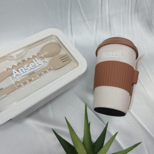 giftset กล่องข้าวฝาล็อคมีช่องใส ใส่ช้อนส้อม และกระบอกน้ำพร้อมช้อนกาแฟ